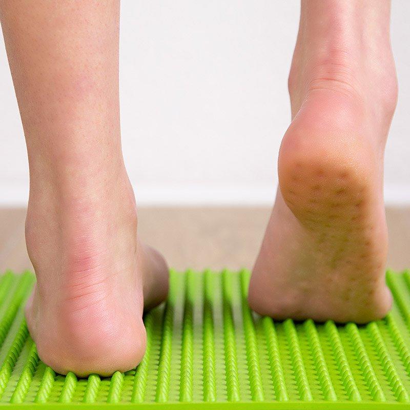 1° tavola Yowalk: il tappeto verde, per una riattivazione della circolazione sanguigna e una riattivazione dei piedi